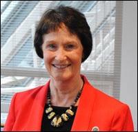 郡のプロバ議長 Sharon-Bulova